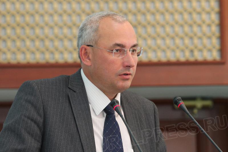министр образования региона Александр Кузнецов